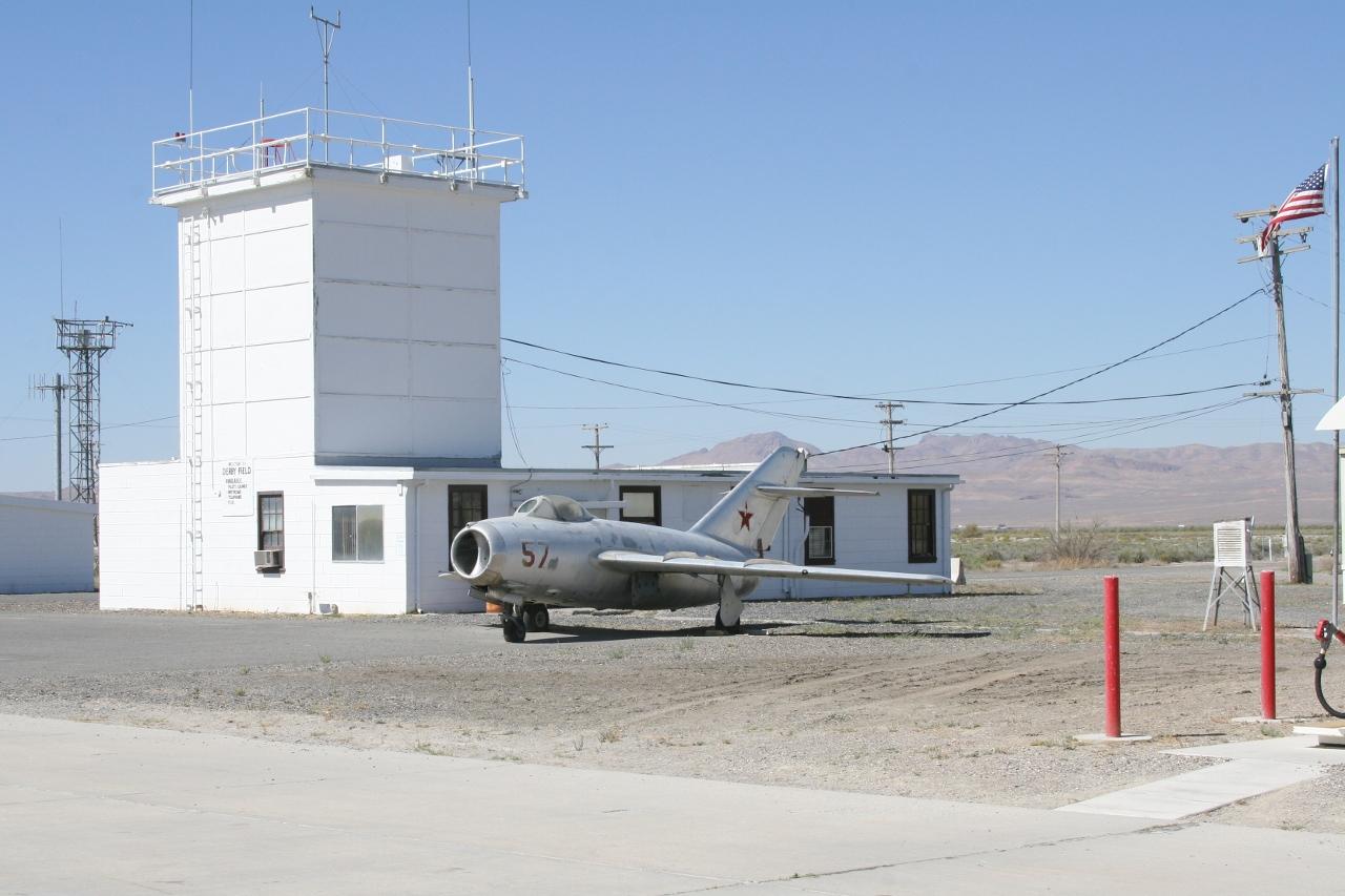 Derby Airfield (KLOL)