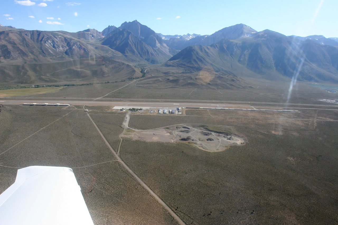 Mammoth Lakes Airport (KMMH) departure
